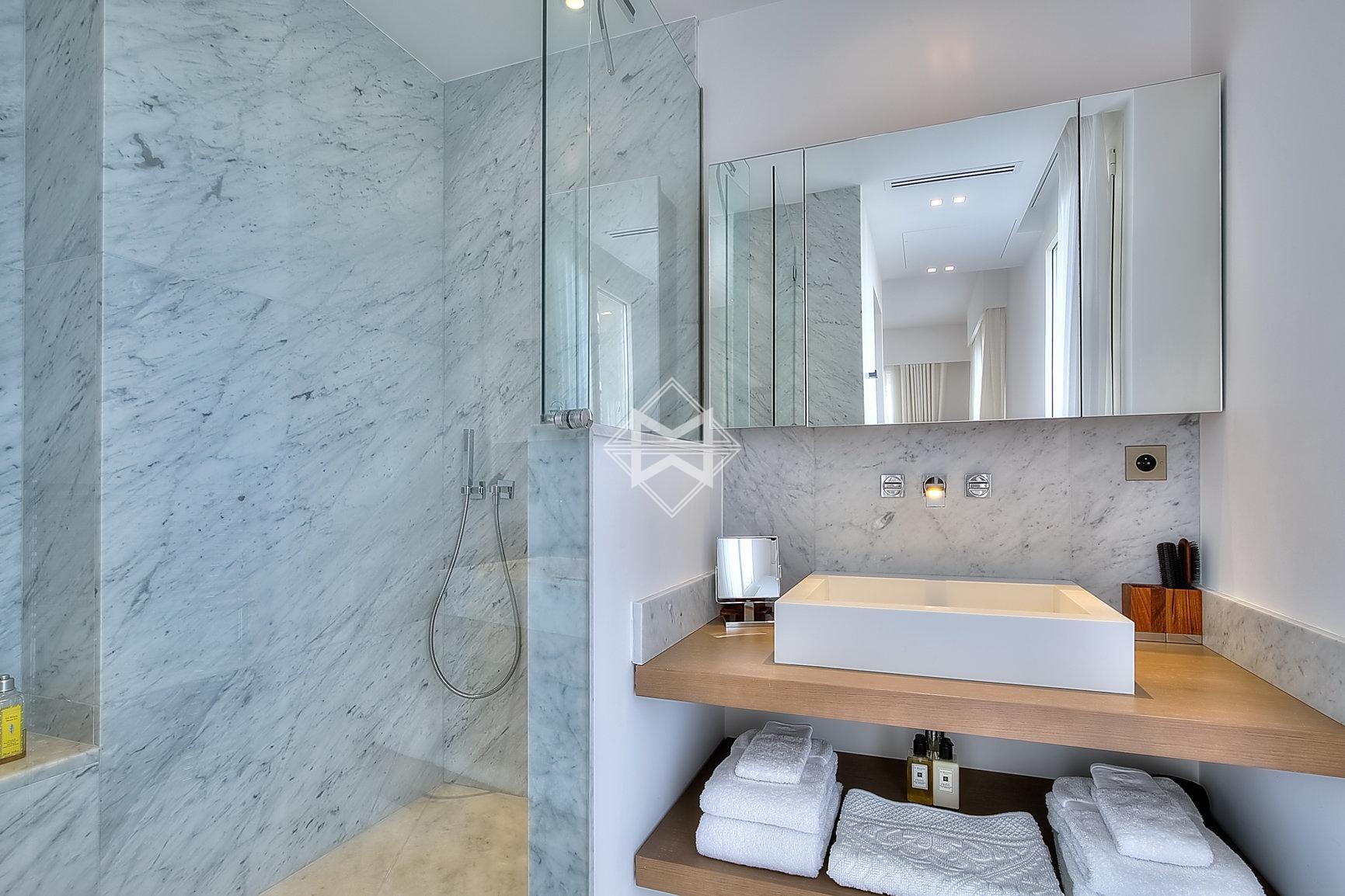 Sale Apartment Cannes - 2 Bedrooms