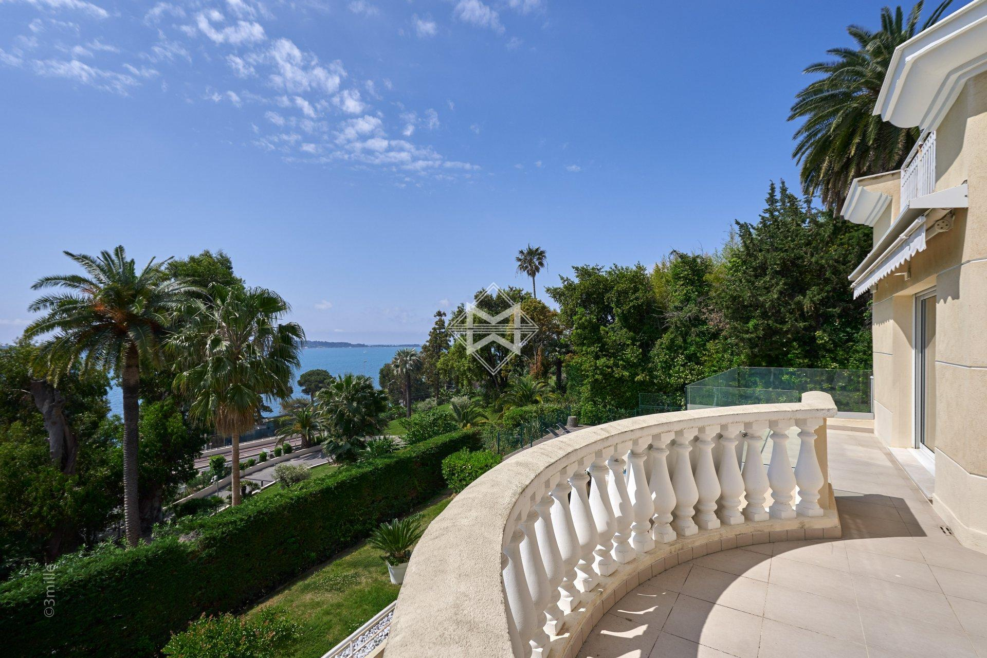Sale Apartment Cannes - 2 Bedrooms - Sea View